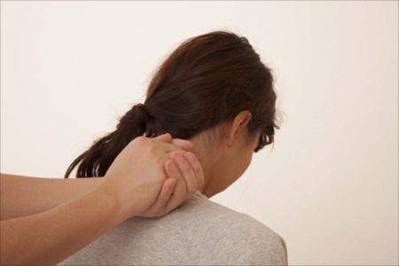 薩摩川内市の整骨院【ひらた整骨院】でムチ打ちや首の痛みの相談を